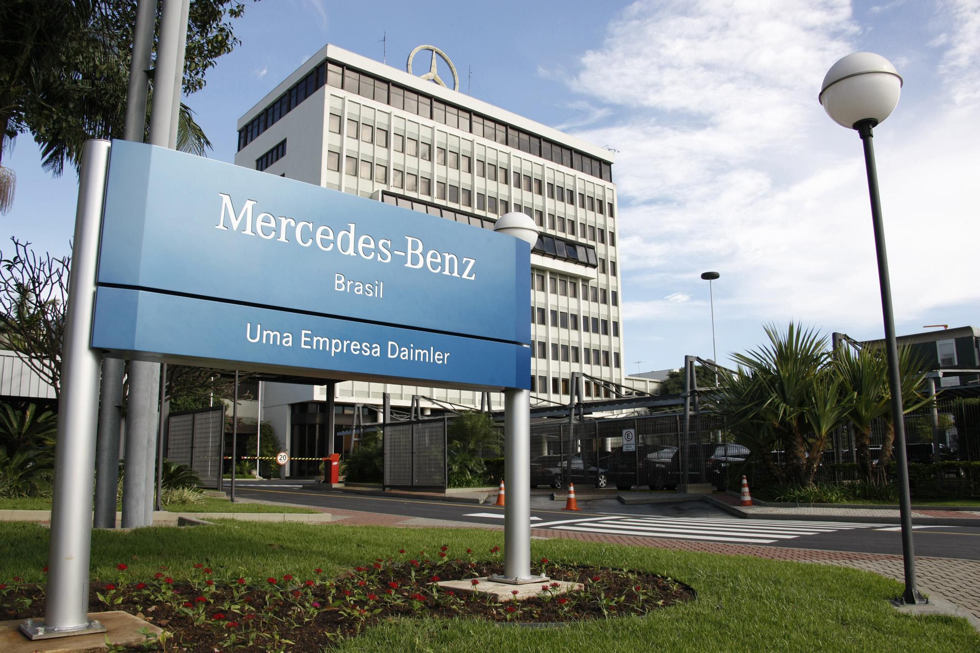 Resultado de imagem para Mercedes-Benz  fábricas do Brasil